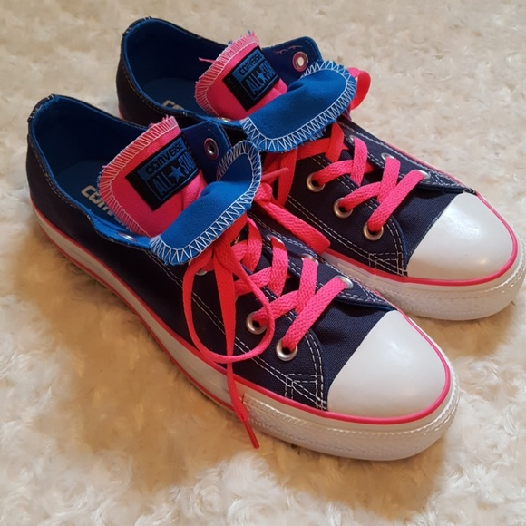 87cafaa7ea8a Converse Chuck Taylor All Star navy hot pink low